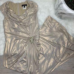 Tadashi Shoji Gold Metallic Evening Gown Large